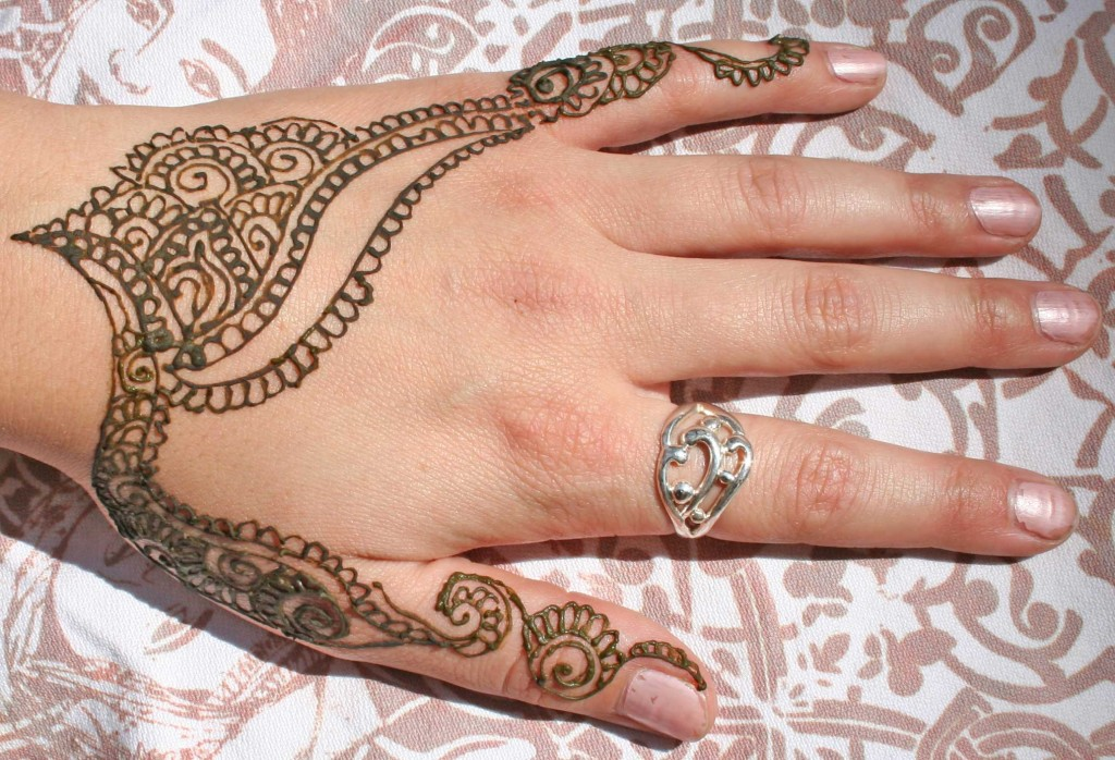 Cute Henna Tattoos