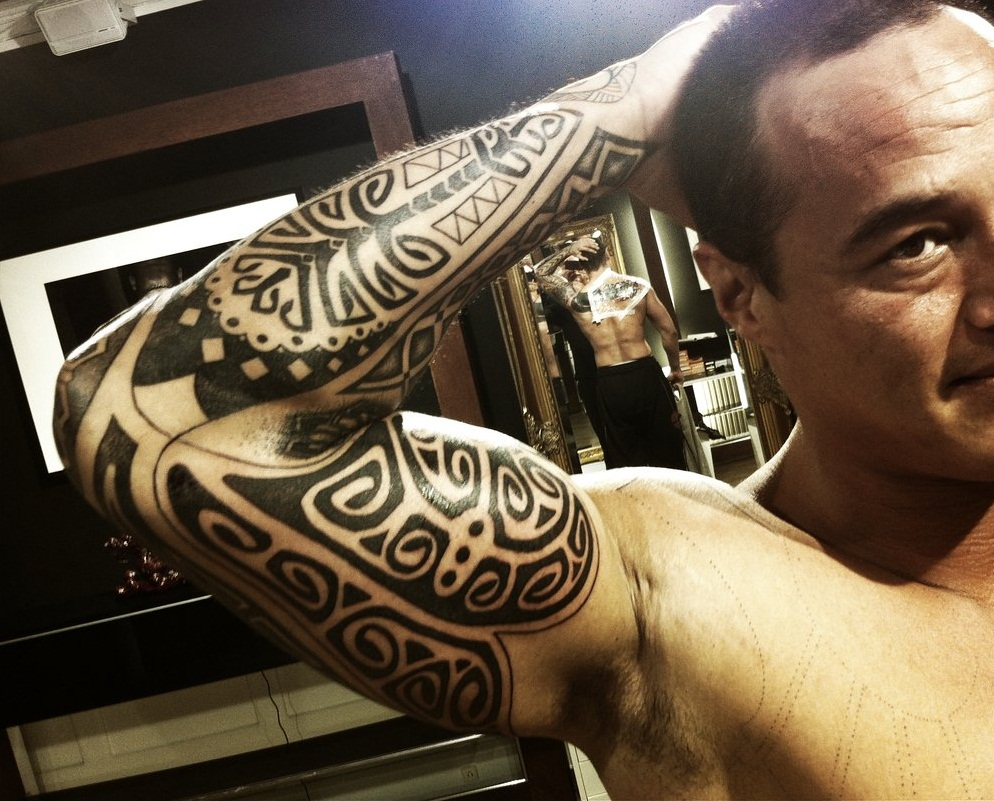 Polynesian tattoos designs ideas and meaning tattoos for Polynesian tattoo armband designs