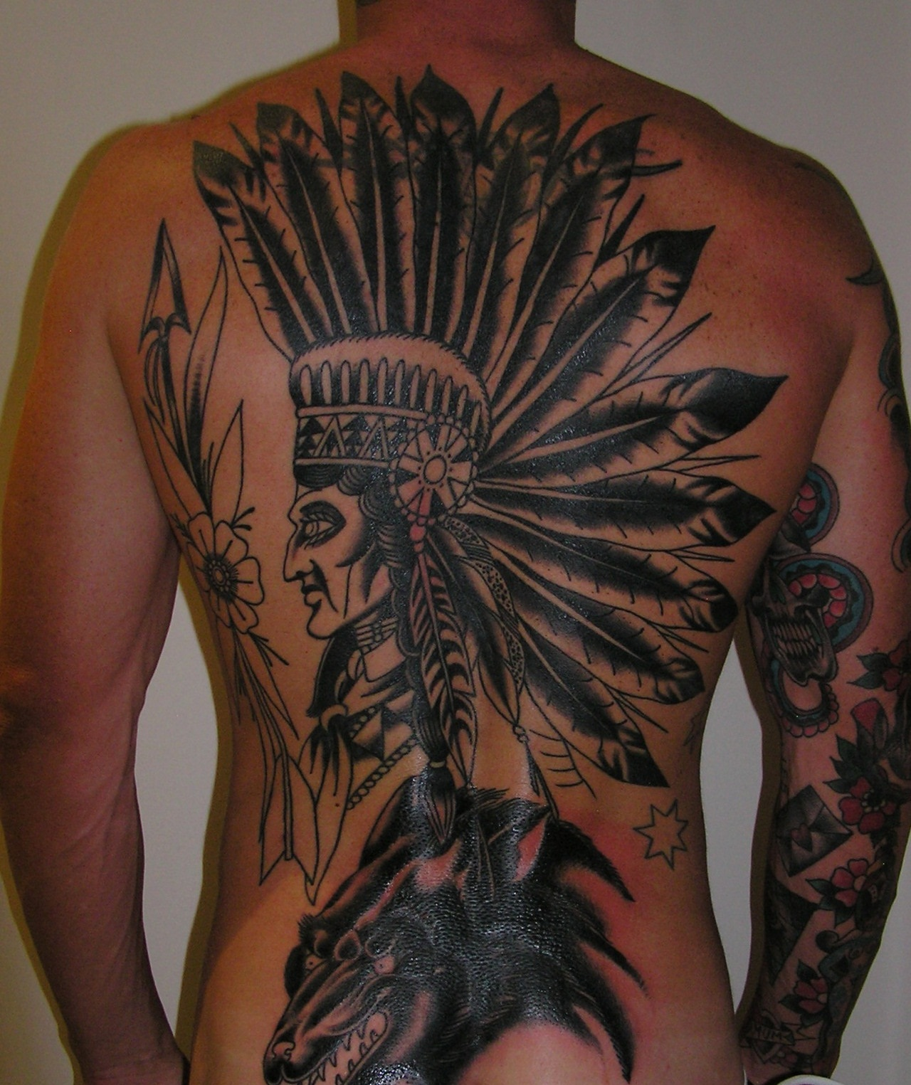 15 American Coat of Arms Army Tattoo This is similar to one that we saw earlier but with a more realistic aesthetics 16 Traditional Army Tattoo