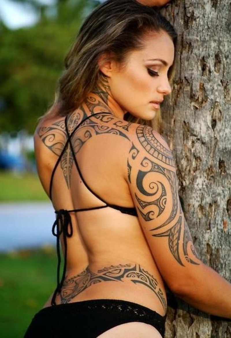 samoan tattoo on girls naked
