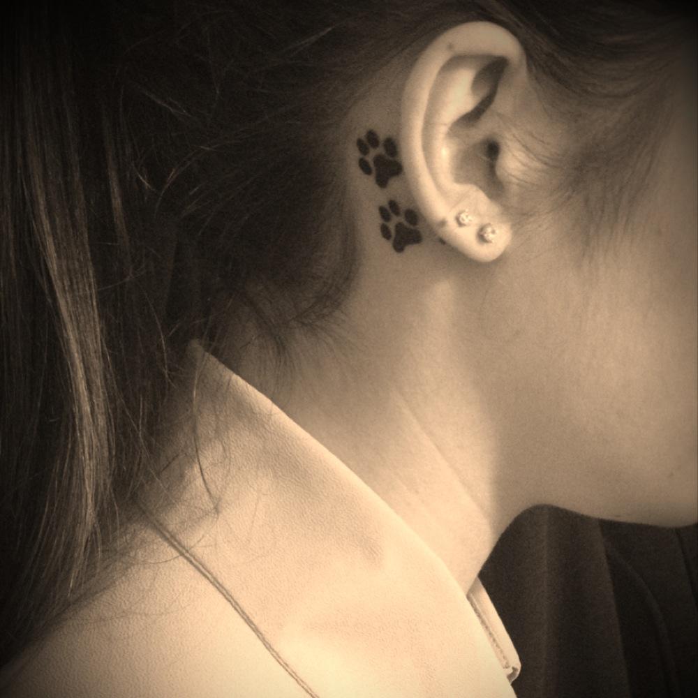 Ένα tatoo στο αυτί μας!