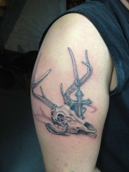 deer skull tattoos designs ideas and meaning tattoos for you. Black Bedroom Furniture Sets. Home Design Ideas