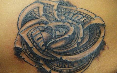 Rose thigh tattoos