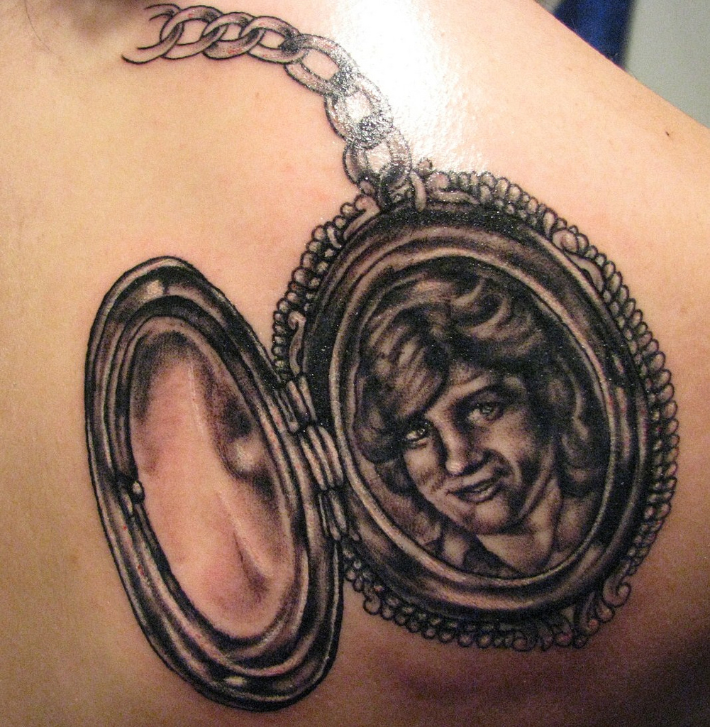 locket tattoos designs ideas and meaning tattoos for you. Black Bedroom Furniture Sets. Home Design Ideas