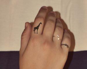 Giraffe Tattoo Finger