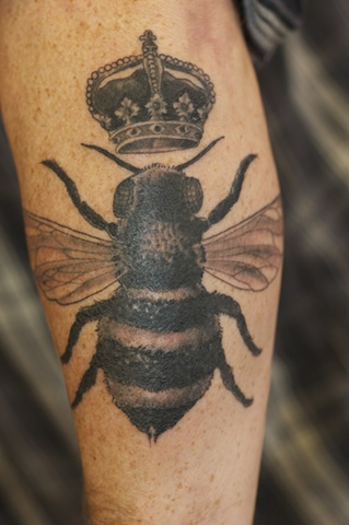 queen bee tattoo - photo #36