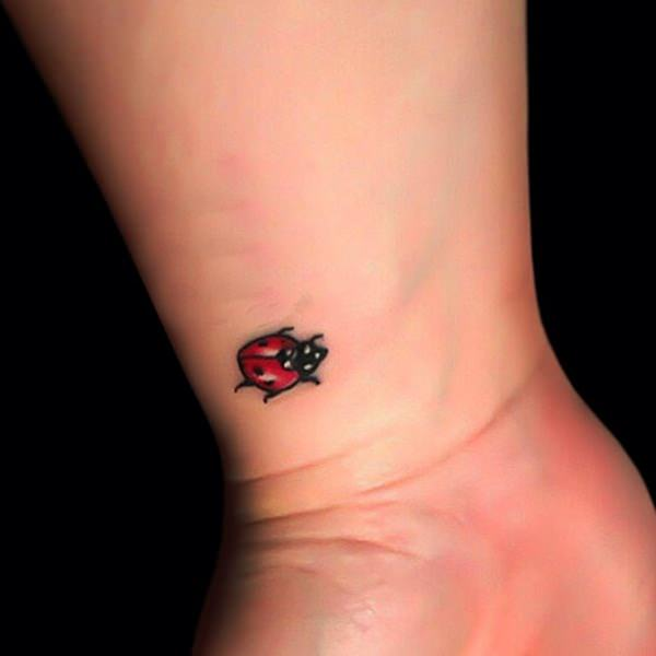 Wrist Tattoos for Girls Designs, Ideas and Meaning ...
