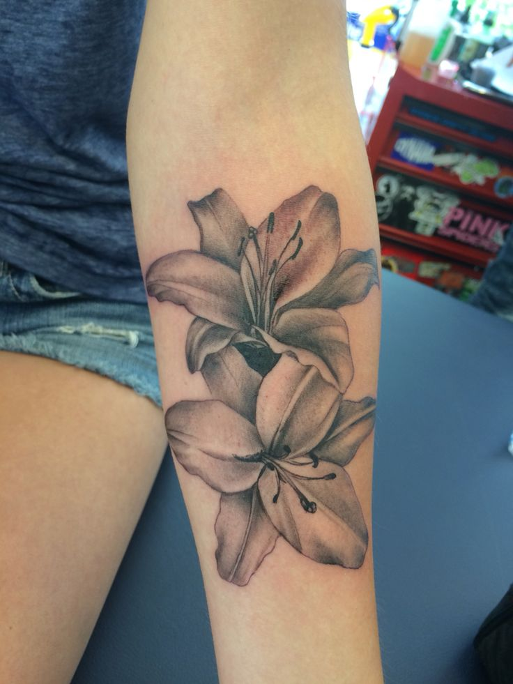 Forearm tattoos for women designs ideas and meaning for Photos of tattoos for girls