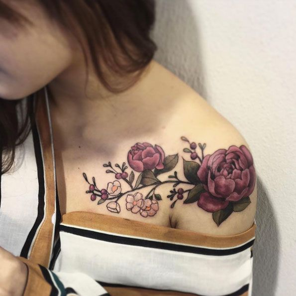 Shoulder Flower Tattoos Designs, Ideas and Meaning ...