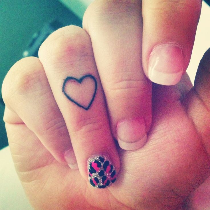 Heart tattoo on finger designs ideas and meaning for Finger tattoo care instructions