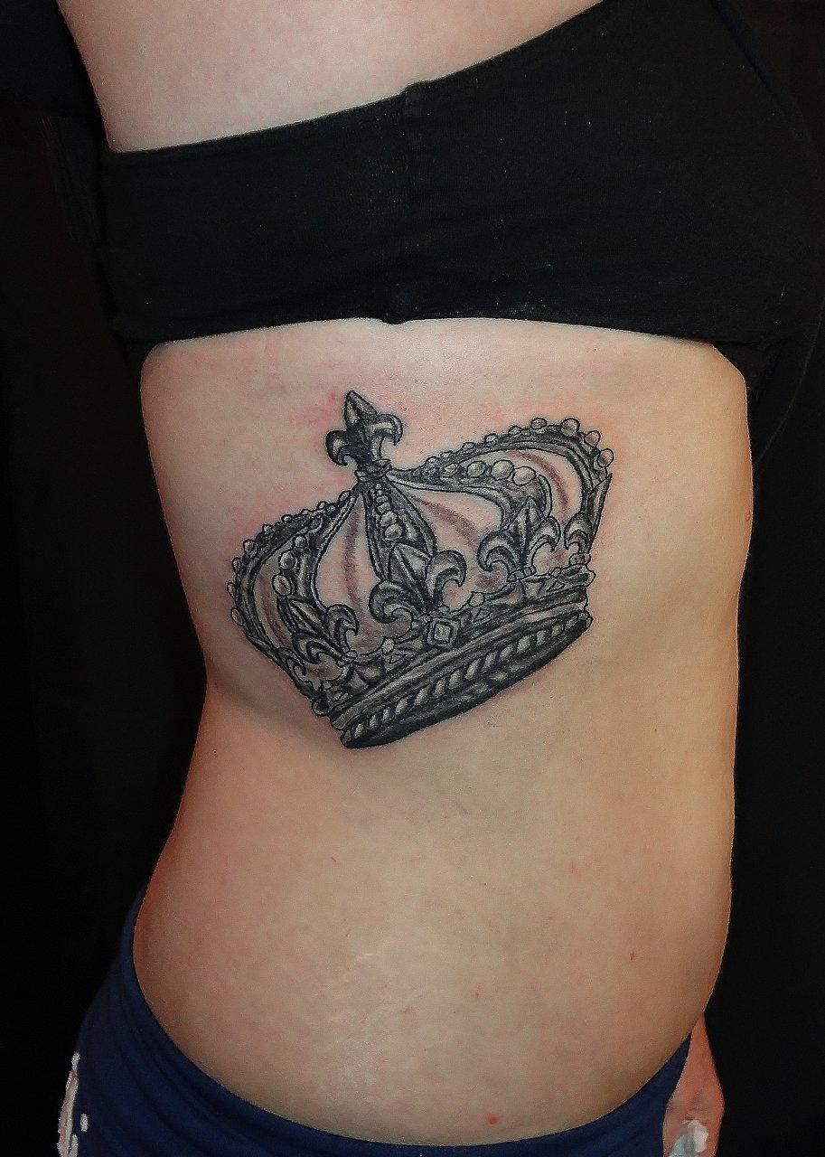 Crown tattoo for girl designs ideas and meaning tattoos for Best crown tattoos